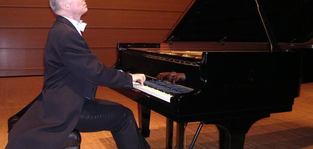 Fri 24 & Sat 25 April 2020 : Ronan Magill for solo classical piano